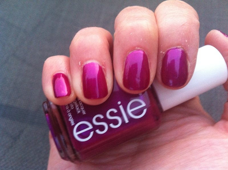 NOTD - Essie - The Lace is On