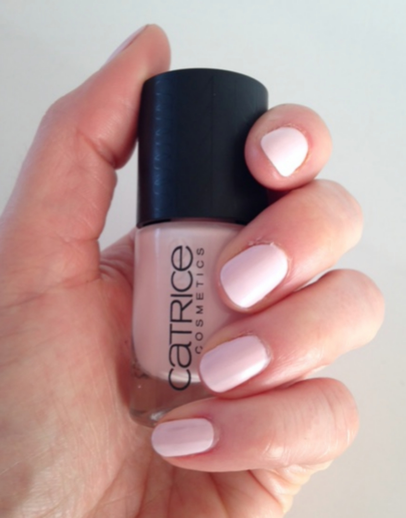 Nude Purism Catrice Barely pink swatch 2
