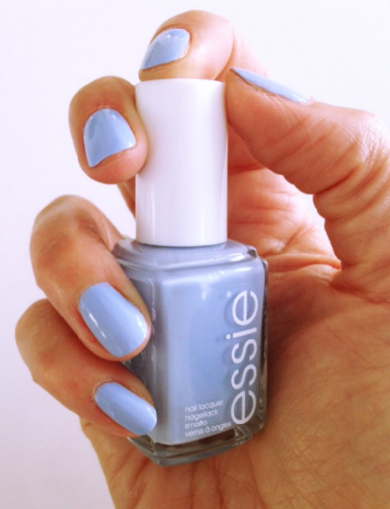 Essie Saltwater Happy swatch 4