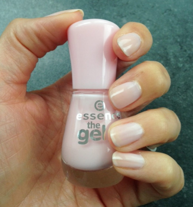 Essence: The Gel Nail Polish - Sweet as Candy