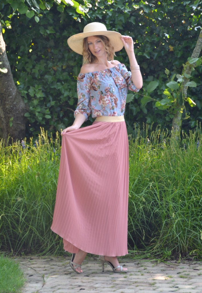 Outfit maxi skirt off shoulder top