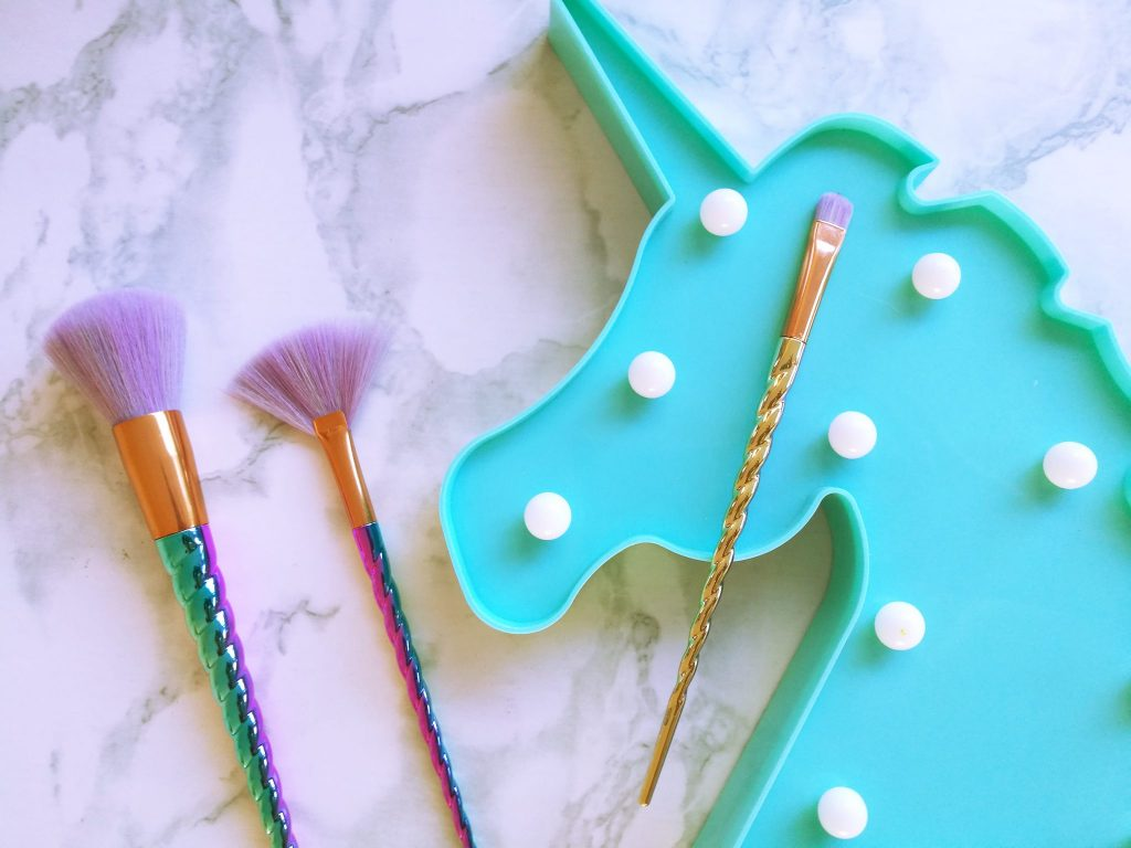Action - Unicorn Brushes